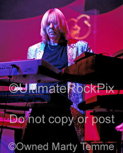 Photo of keyboard player Rick Wakeman of Yes in concert in 2003 by Marty Temme