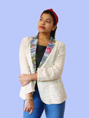 Front : Cool and light Khadi cotton blazer jacket with Aloha tropical print for ladies. Talk about mix & match! Create your own unique outfits with this. Shop online!