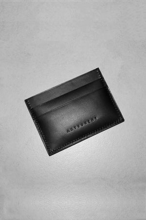 LEATHER CARDHOLDER IN BLACK