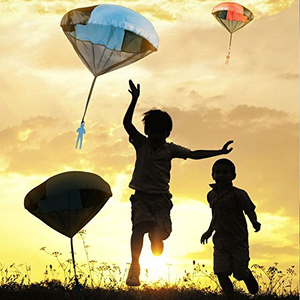 Tangle Free Toy Parachute - Simply Toss It High And Watch It Fly! (3Pcs)