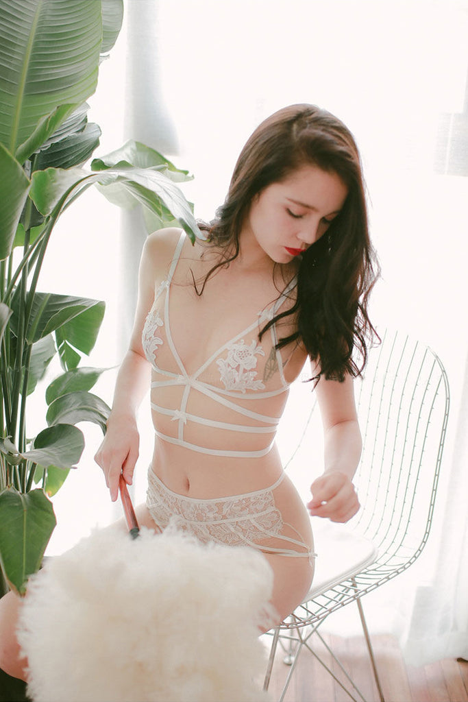 See-Through Floral Bandage Set (Milky White)