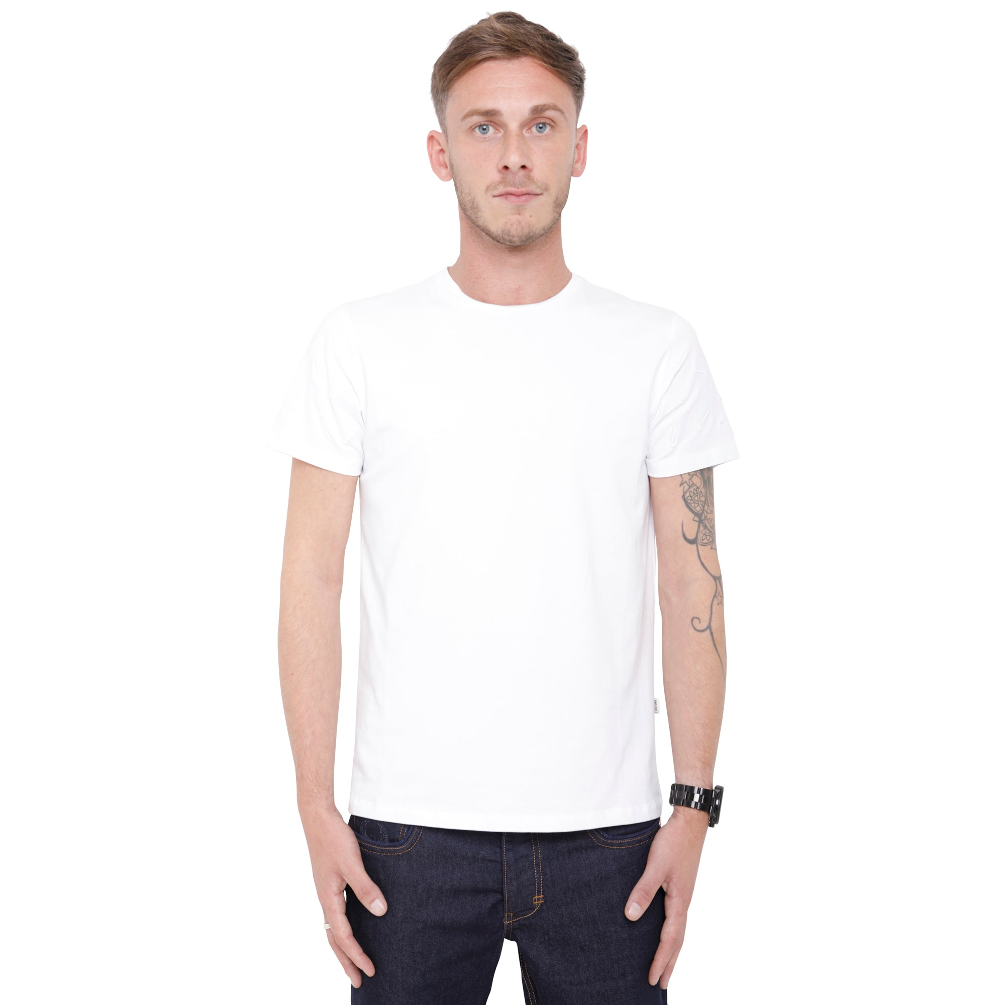 Style: Nekbet 93 Luxury Crew Neck T-Shirt - White - Junq Couture