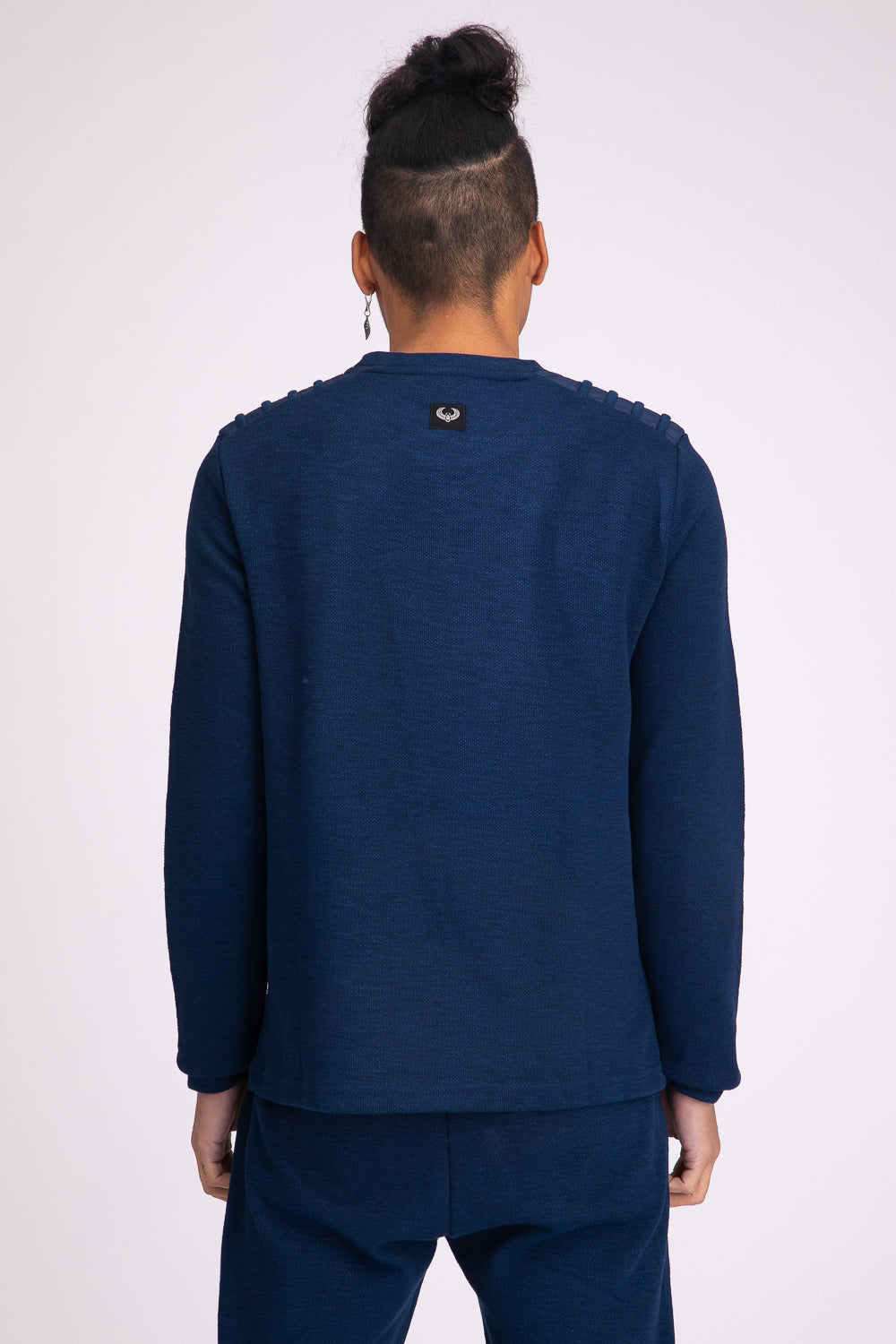 Style: Hedet 502 Charcoal Sweatshirt - Junq Couture