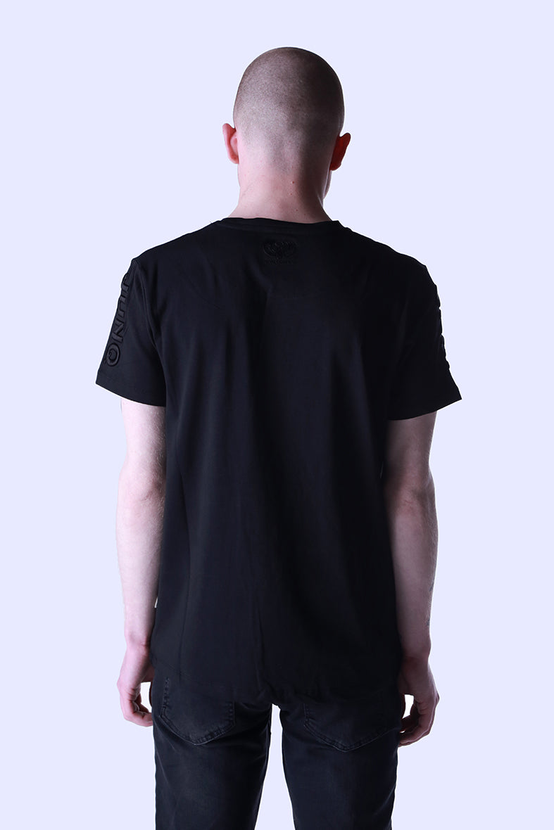 Style: Maahes 97 Basic Luxury Black T-Shirt - Junq Couture