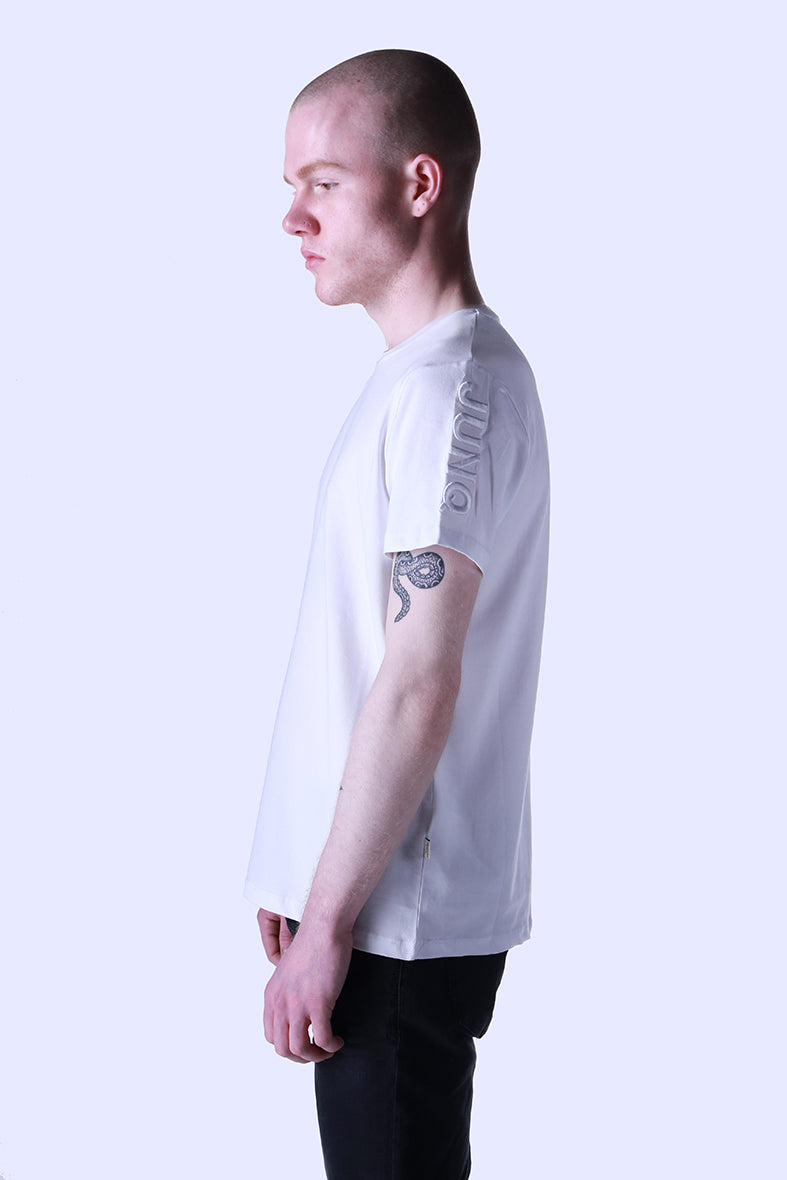 Style: Maahes 97 Basic Luxury White T-Shirt - Junq Couture