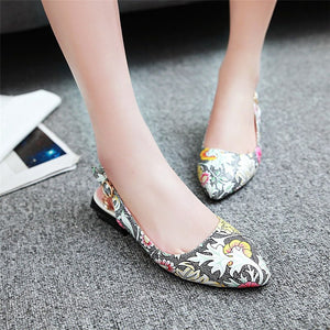 Women's Flower Printed Summer Shoes Pointed Toe Flat Heel Sandals