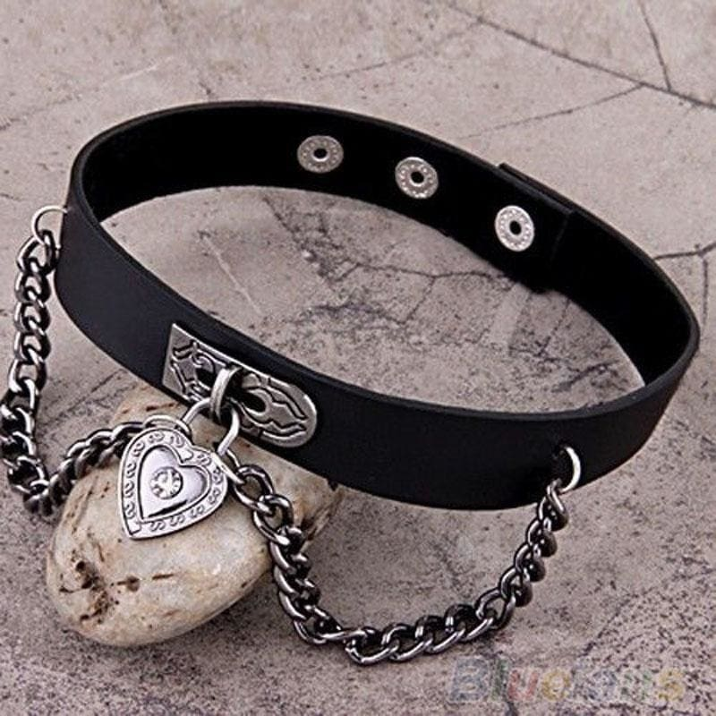 Punk Heart Dangle Goth Necklace