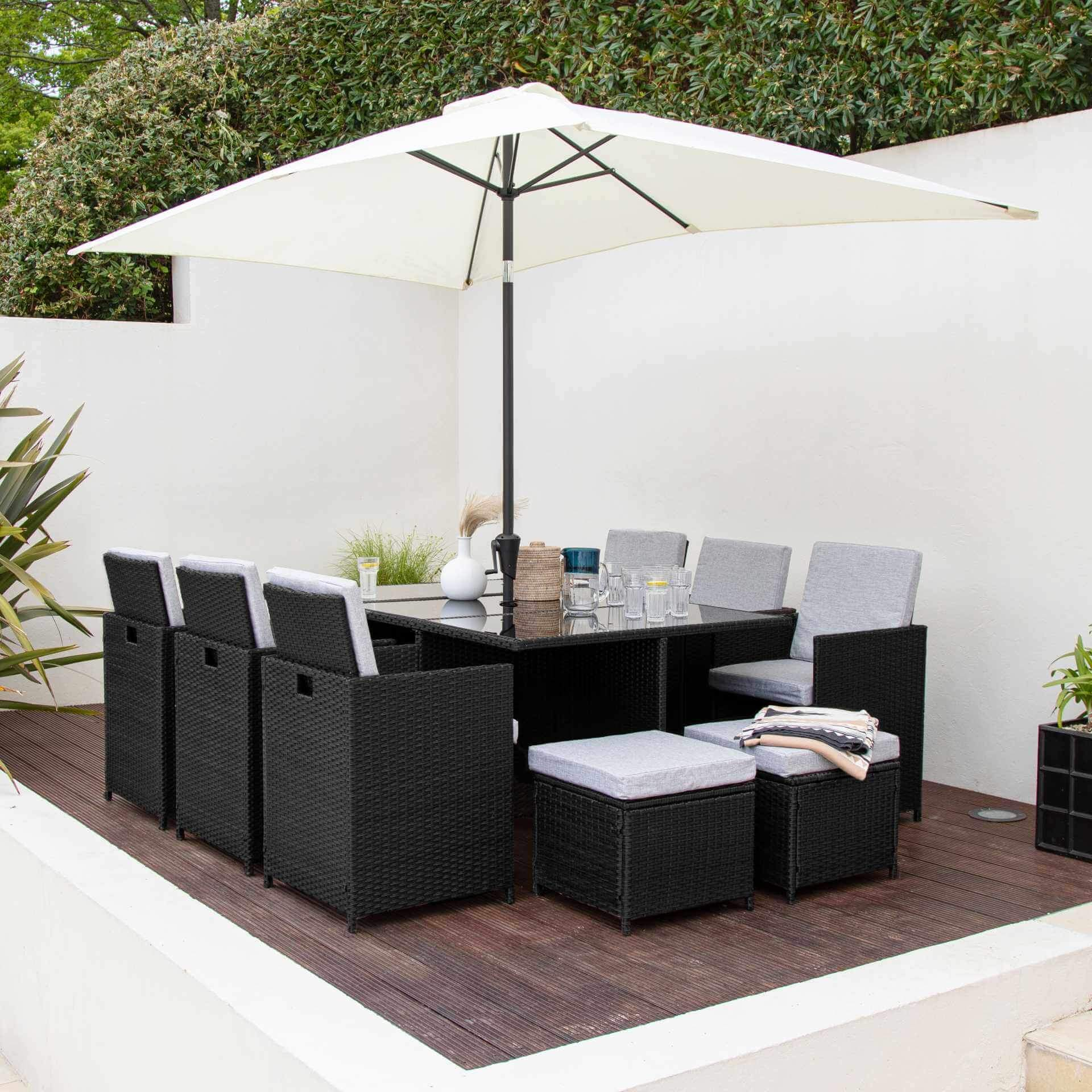 10 Seat Rattan Cube Outdoor Dining Set with Premium Parasol and Parasol Rain Cover - Black Weave - Laura James