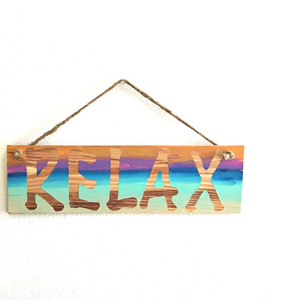 "wood ""relax"" sign - sablesol"