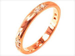 18 Karat Gold Ribbons and Arrows 8 Diamond Wedding Band - OGI-LTD