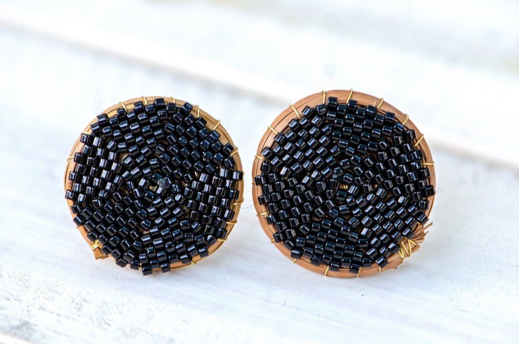 Azabache stud earrings (large)