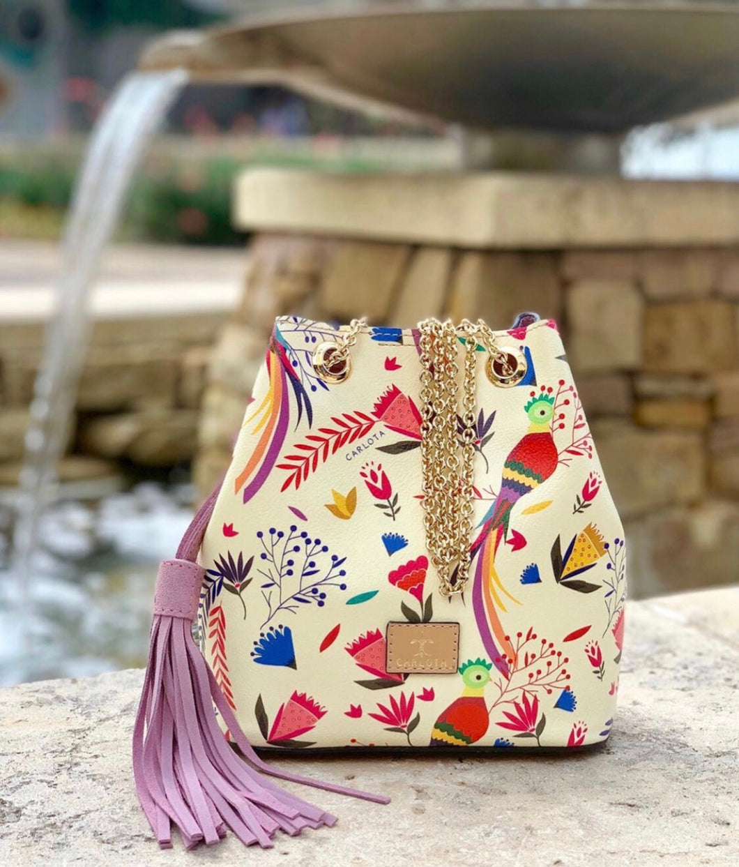 Quetzal Bucket bag