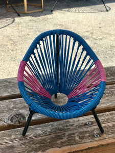 Mini Acapulco chair (blue/pink)
