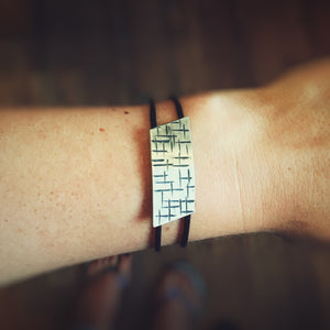 A Maze In Bracelet of Angles