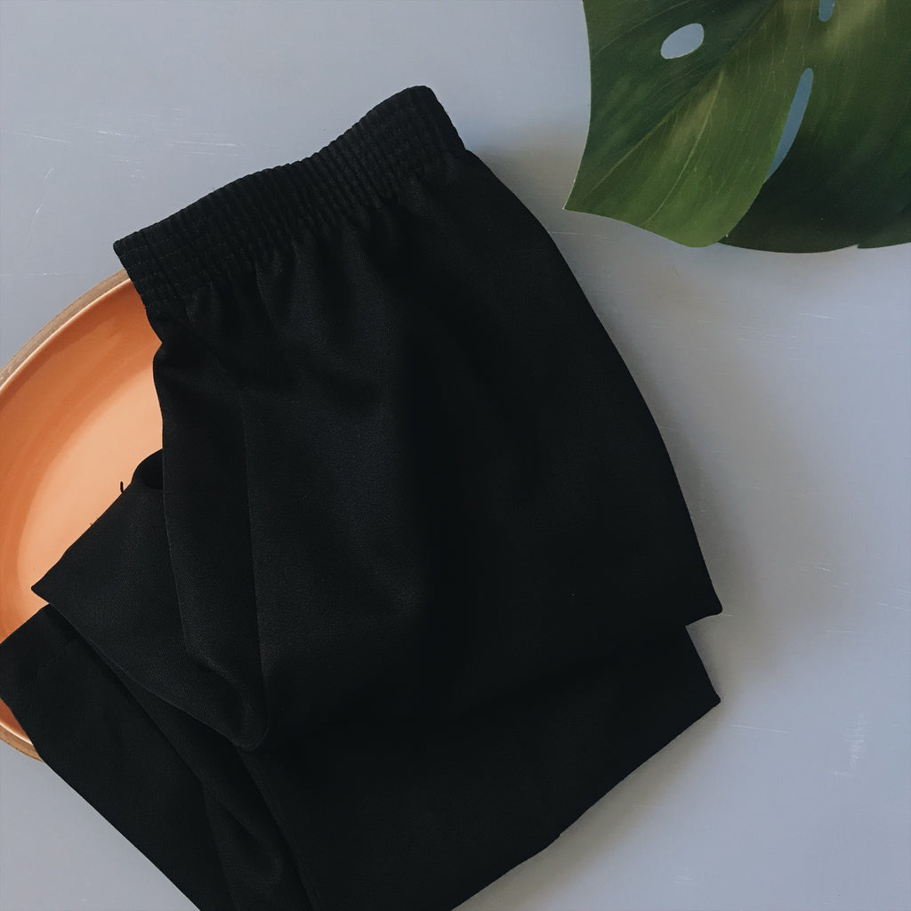 Black High Waist Pleated Crop Trouser