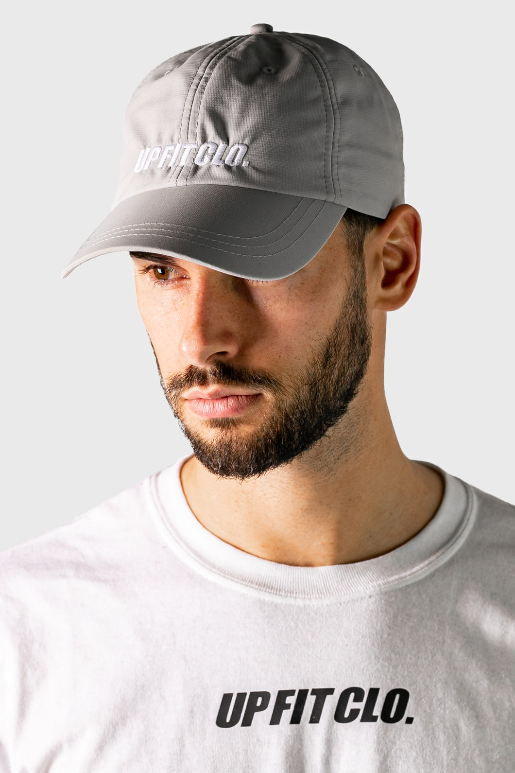 UP FIT CLO. PERFORMANCE CAP GREY