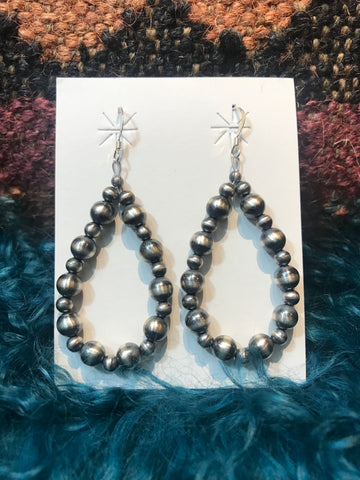 Varied Navajo Pearl Earrings