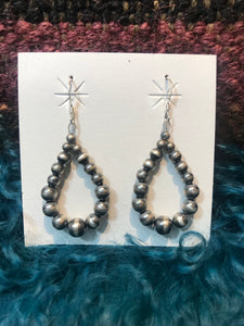 Mini Graduated Navajo Pearl Earrings #54151