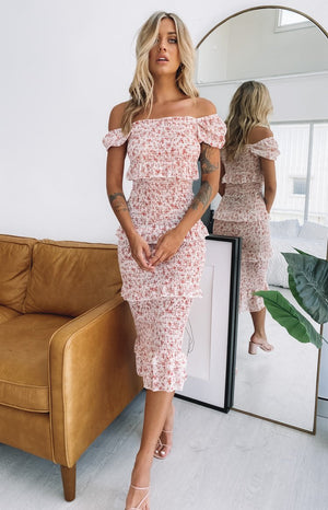https://files.beginningboutique.com.au/20200203-Berlin+Shirred+Midi+Dress+Beige+Floral.mp4