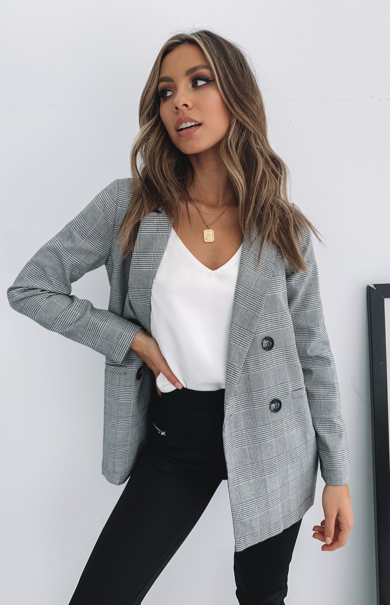 https://files.beginningboutique.com.au/Brooklyn+Times+Blazer+Check.mp4