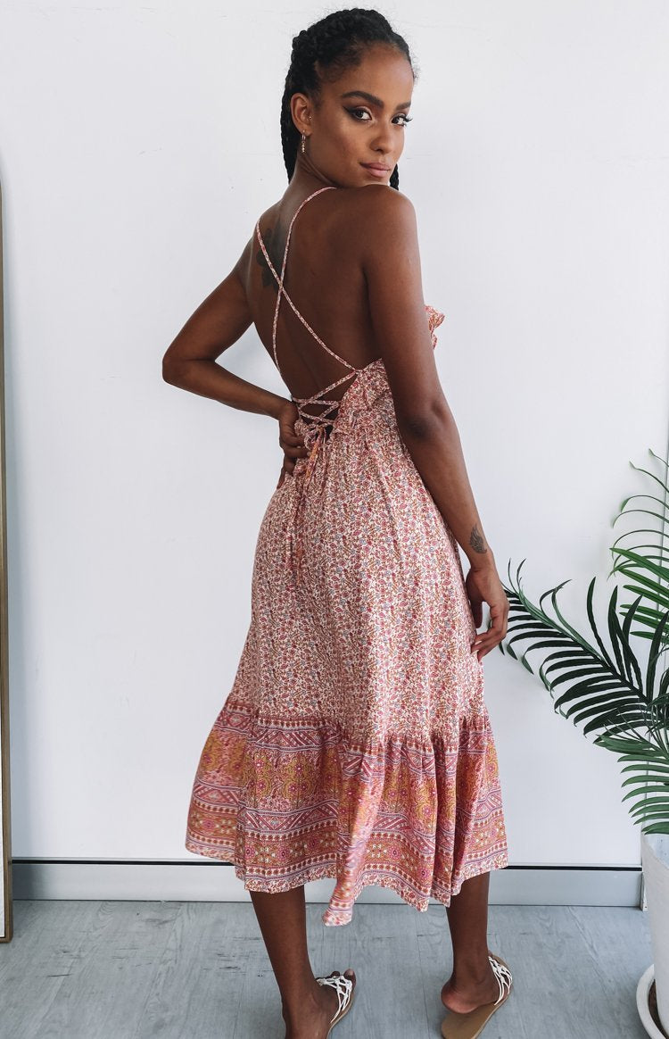 https://files.beginningboutique.com.au/20191216+-+Cordelia+Lace+Back+Midi+Dress+Pink+Floral-2.mp4