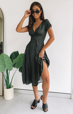 https://files.beginningboutique.com.au/20200221-Dari+Maxi+Dress.mp4