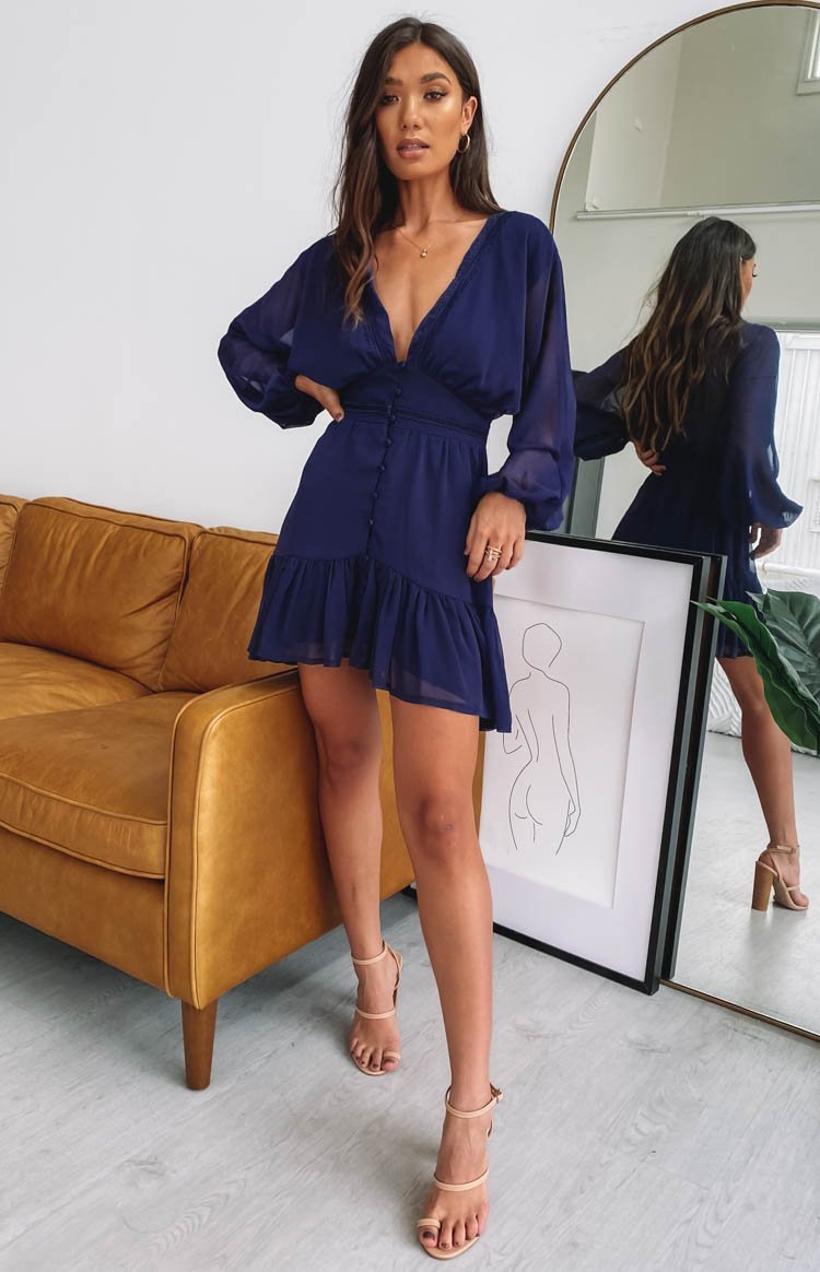 https://files.beginningboutique.com.au/20200217-Gabby+Frill+Dress+.mp4