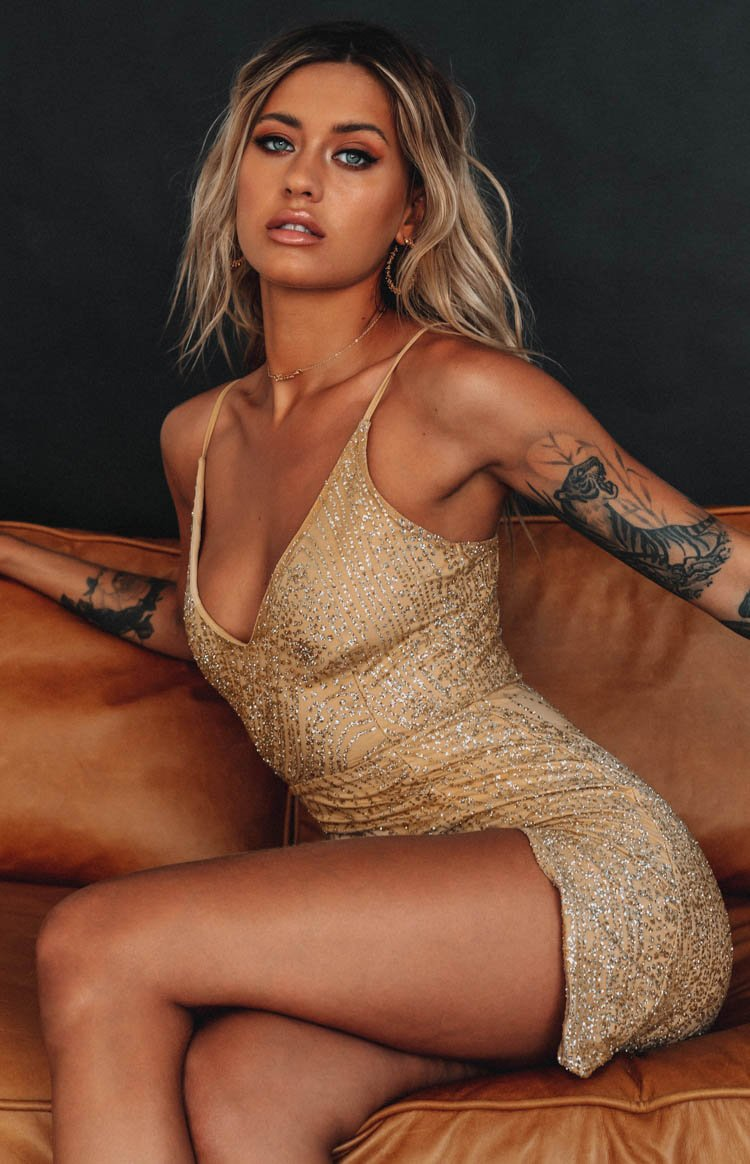 https://files.beginningboutique.com.au/HAKKASAN+GLITTER+PARTY+MINI+DRESS-cath.mp4