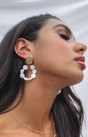 Eclat Elke Pearl Hoop Earrings Gold