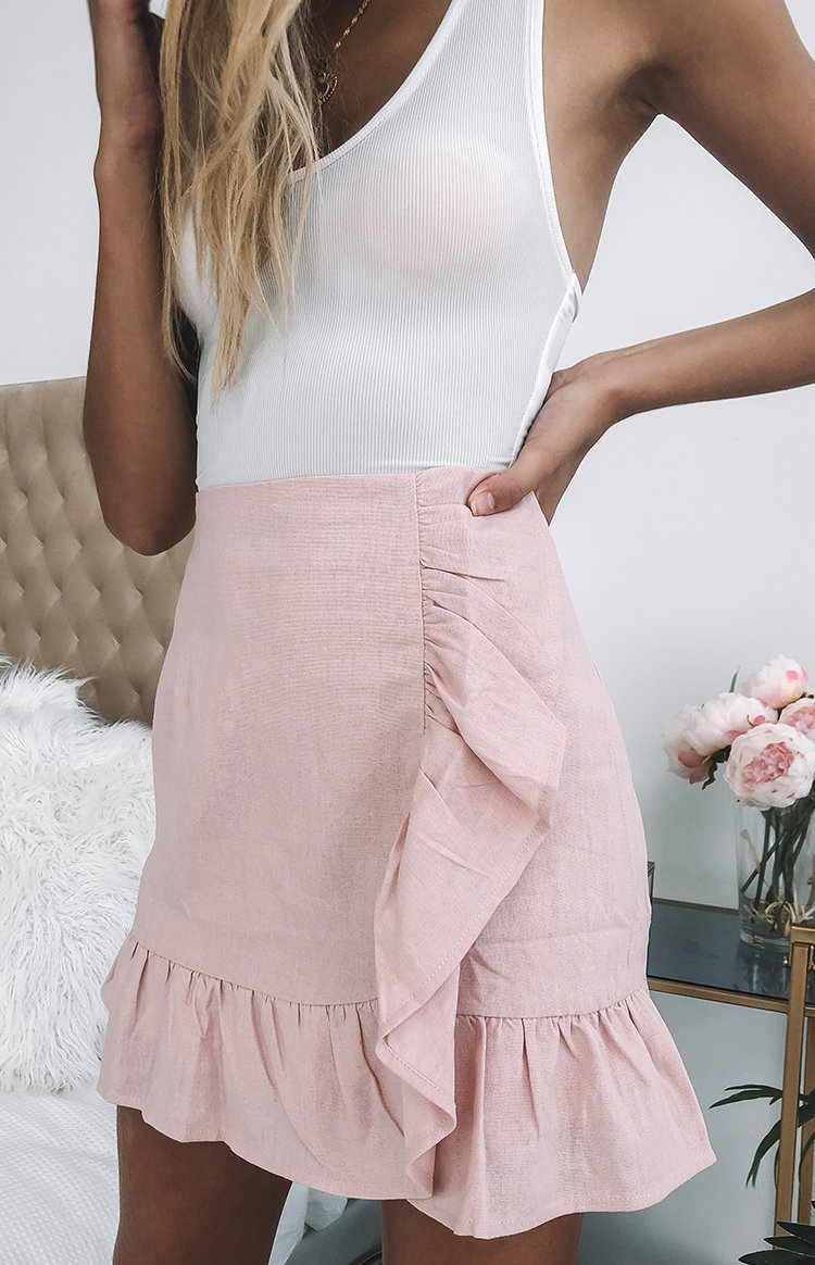 https://files.beginningboutique.com.au/Rosanna+Frill+Skirt+Pink.mp4