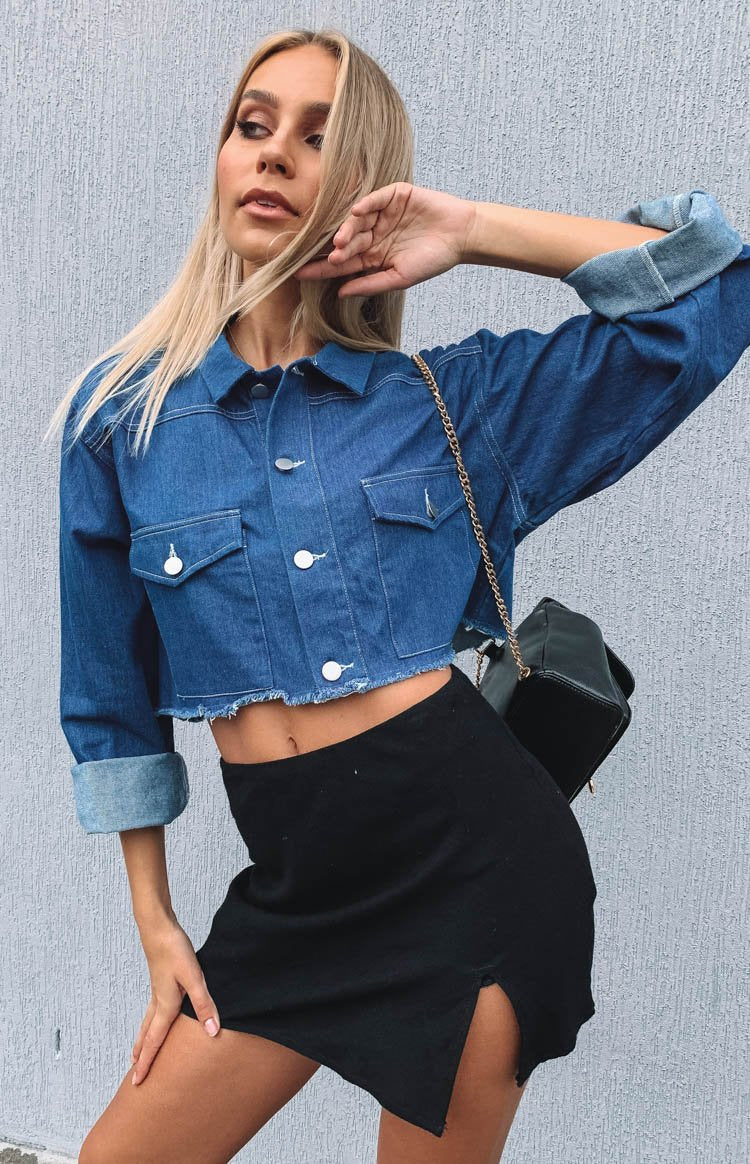 https://files.beginningboutique.com.au/Siamese+Cropped+Jacket+Blue+Denim.mp4