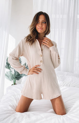 https://files.beginningboutique.com.au/20200617-Twyla+Playsuit+Cream.mp4