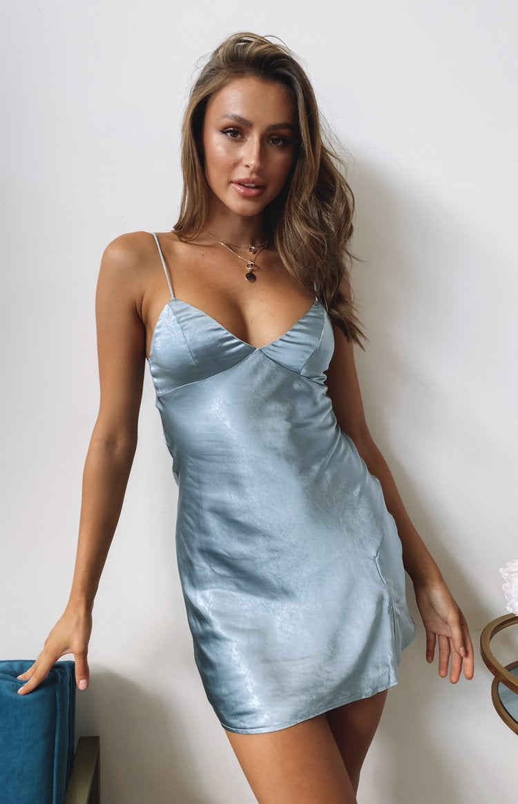 https://files.beginningboutique.com.au/20200415-dorine+satin+mini+dress+teal-76181-6.mp4