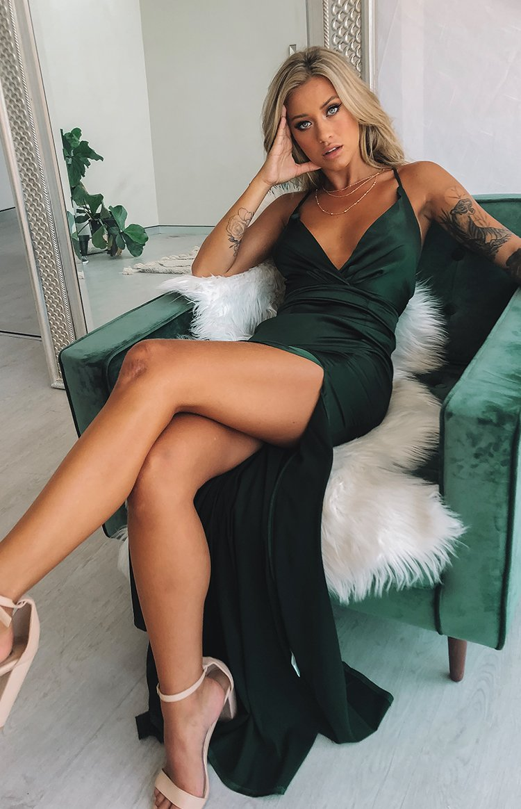 https://files.beginningboutique.com.au/Mirabelle+Maxi+Dress+Emerald+.mp4