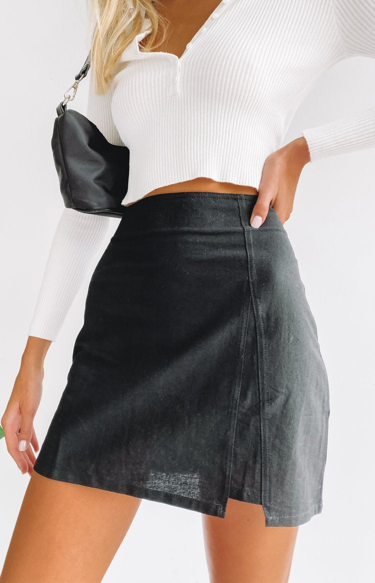 https://files.beginningboutique.com.au/20200318-honesty+skirt+black.mp4