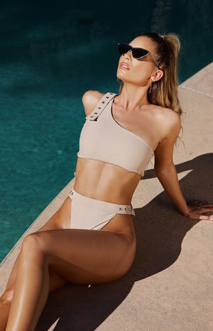https://files.beginningboutique.com.au/Cabana+Bikini+Top+And+Bottom+Matte+Nude.mp4