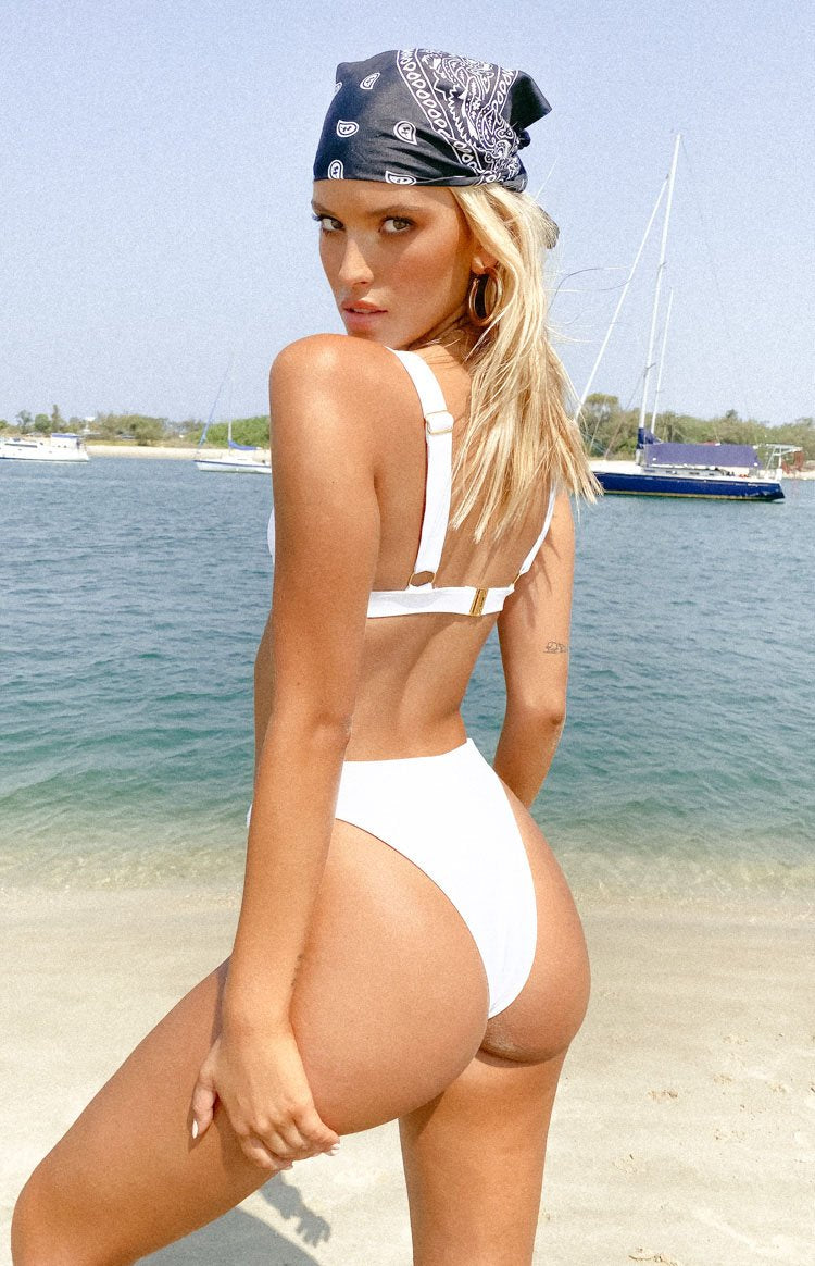 https://files.beginningboutique.com.au/9.0+SWIM+WILDCAT+BIKINI+BOTTOMS+WHITE.mp4