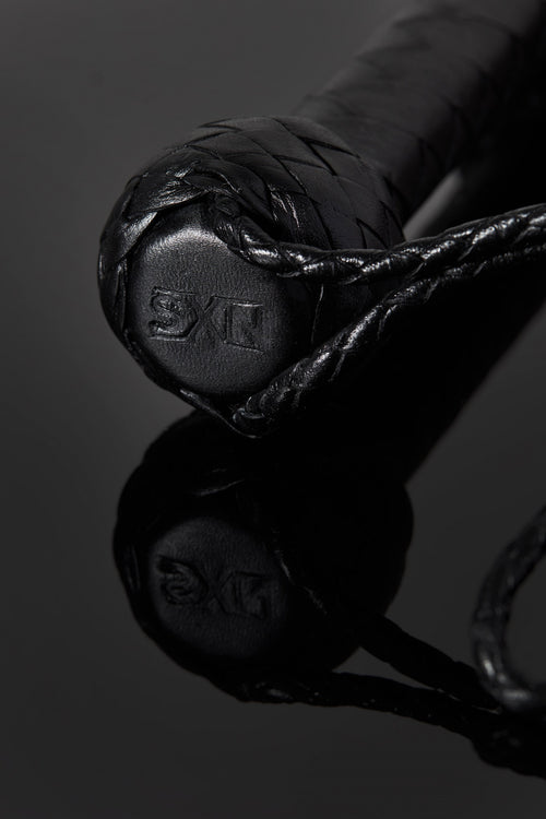 House of SXN Servage Classic Bondage Leather Flogger 2