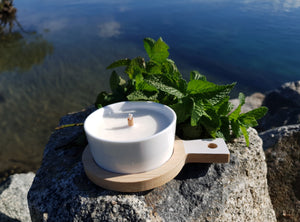 River mint with Bush iris soy candle
