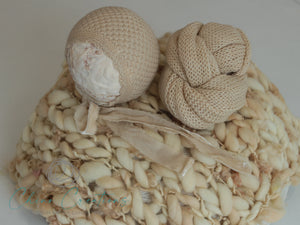 Textured Knit Newborn Bonnet & Wrap Set - Pale Honey