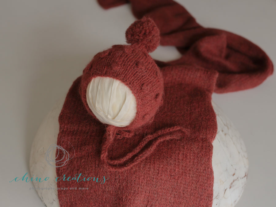 'Solomon' Bobble Pom-Pom Bonnet & Wrap Set - Newborn - Russet