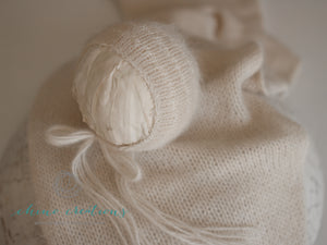 French-Angora Knitted Short Wrap & 'Selene' Detail Bonnet Set - Champagne
