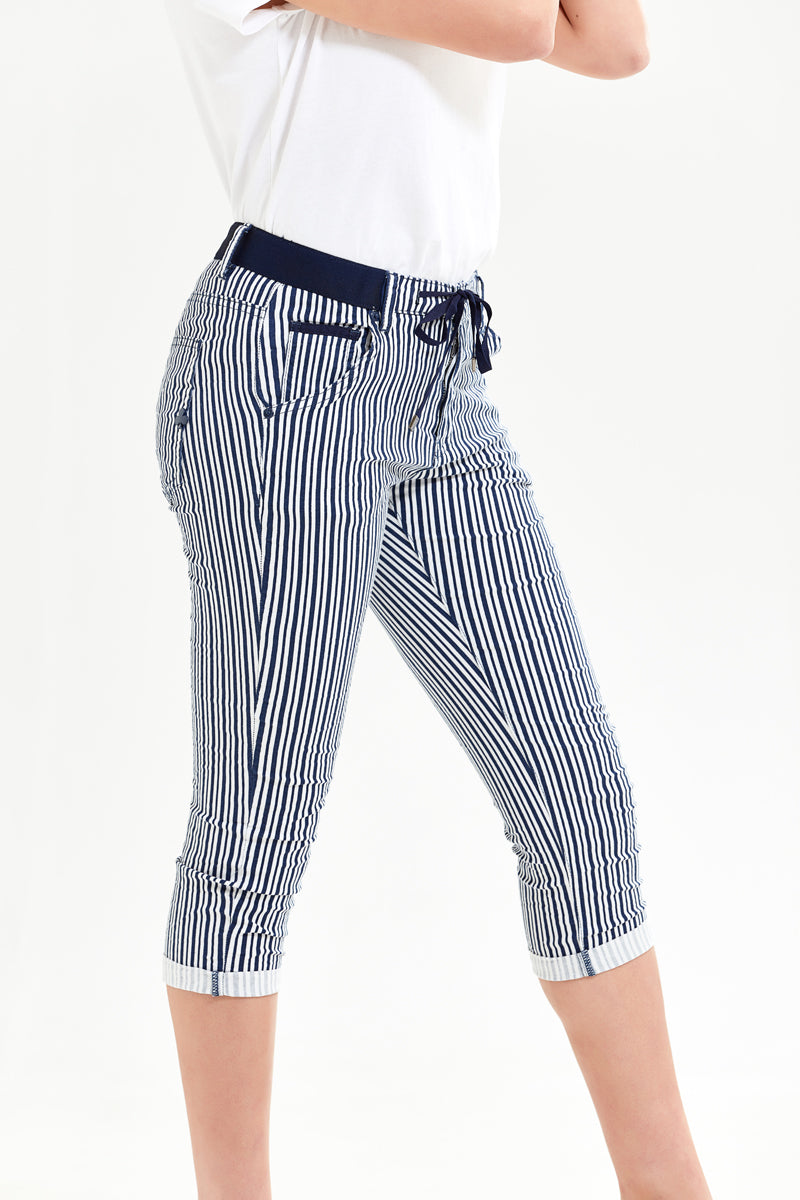 Picotite Black Striped Capri Boyfriend Pant