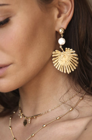 Palm Leaf Earring with Pearl in Gold