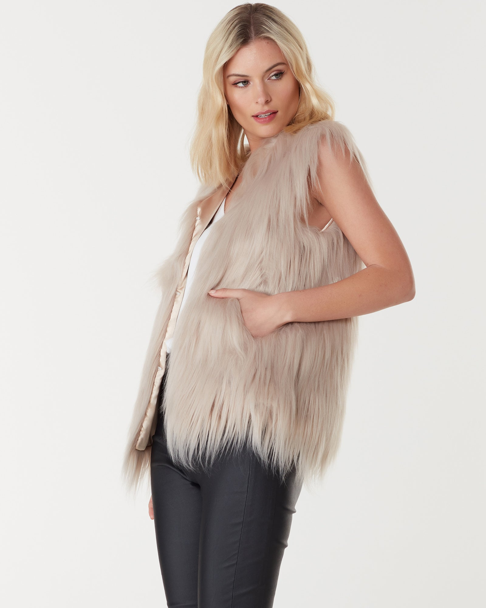 WINDSOR FAUX FUR VEST - LATTE