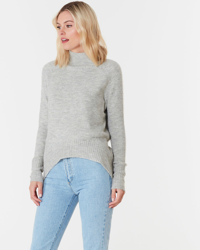 ASPEN SWEATER - LIGHT GREY