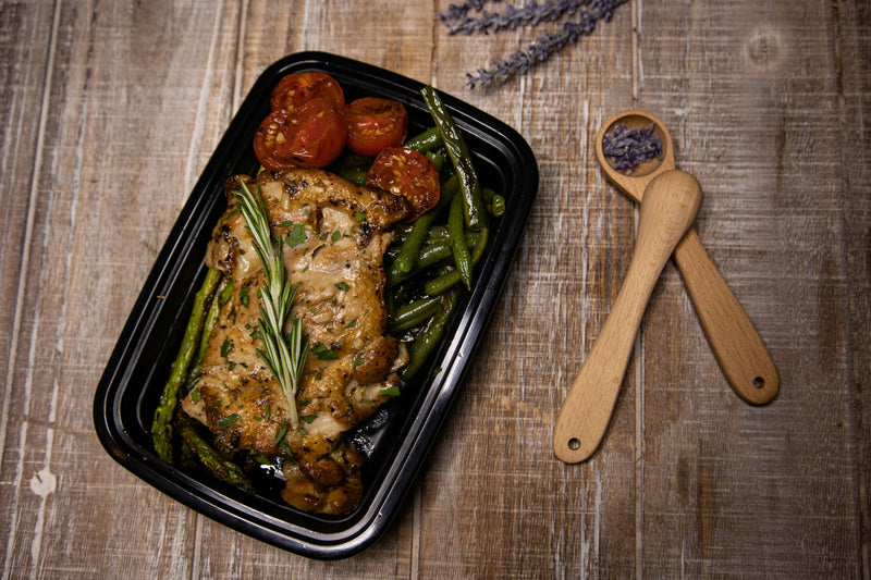 Chicken Thighs With Green Beans and Asparagus