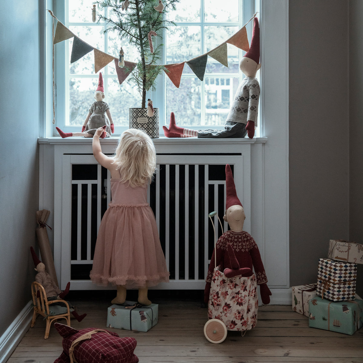 Maileg Garland 9 flags knit - multi colour Children's interiors