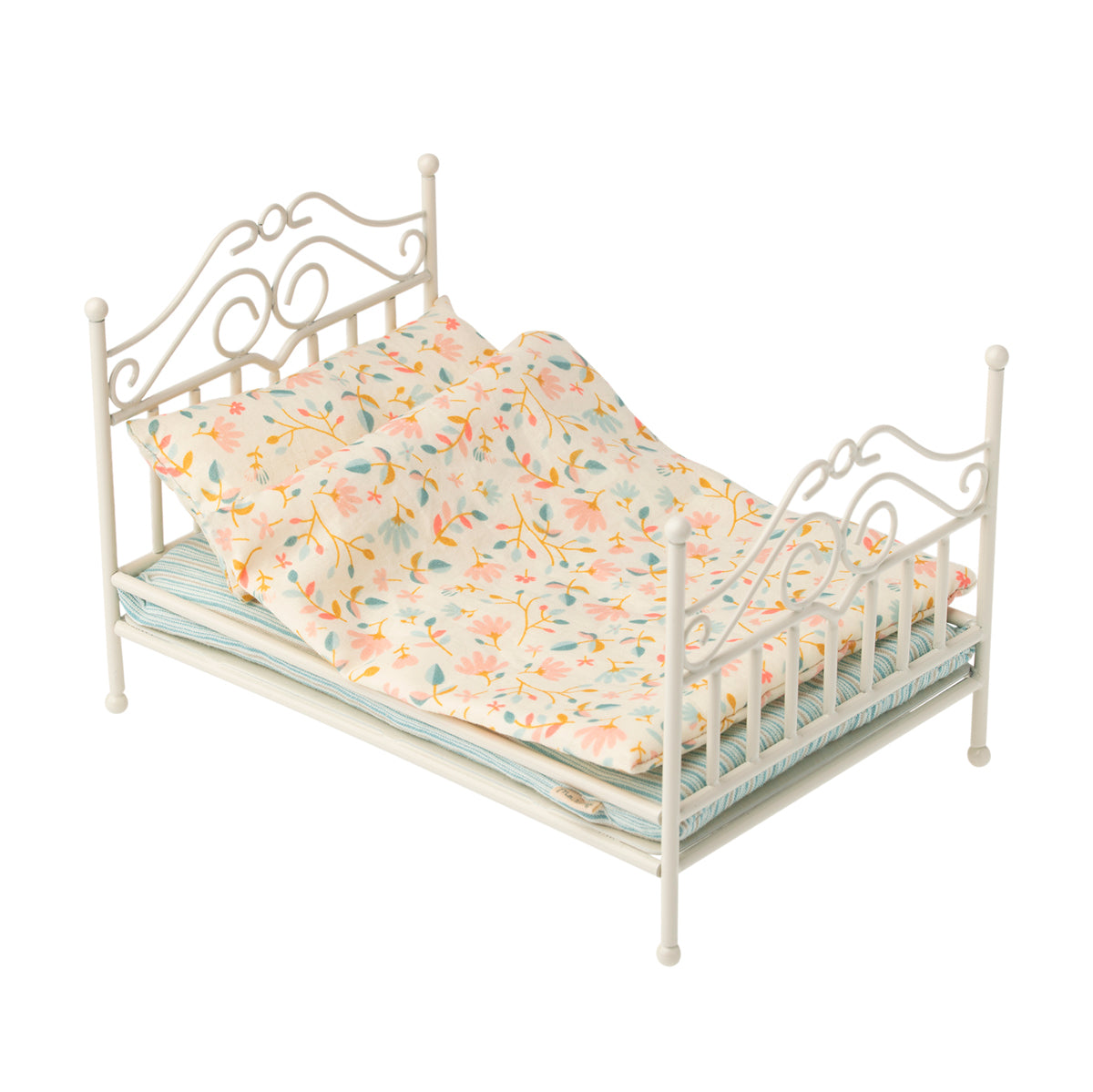 Vintage bed- micro - soft sand