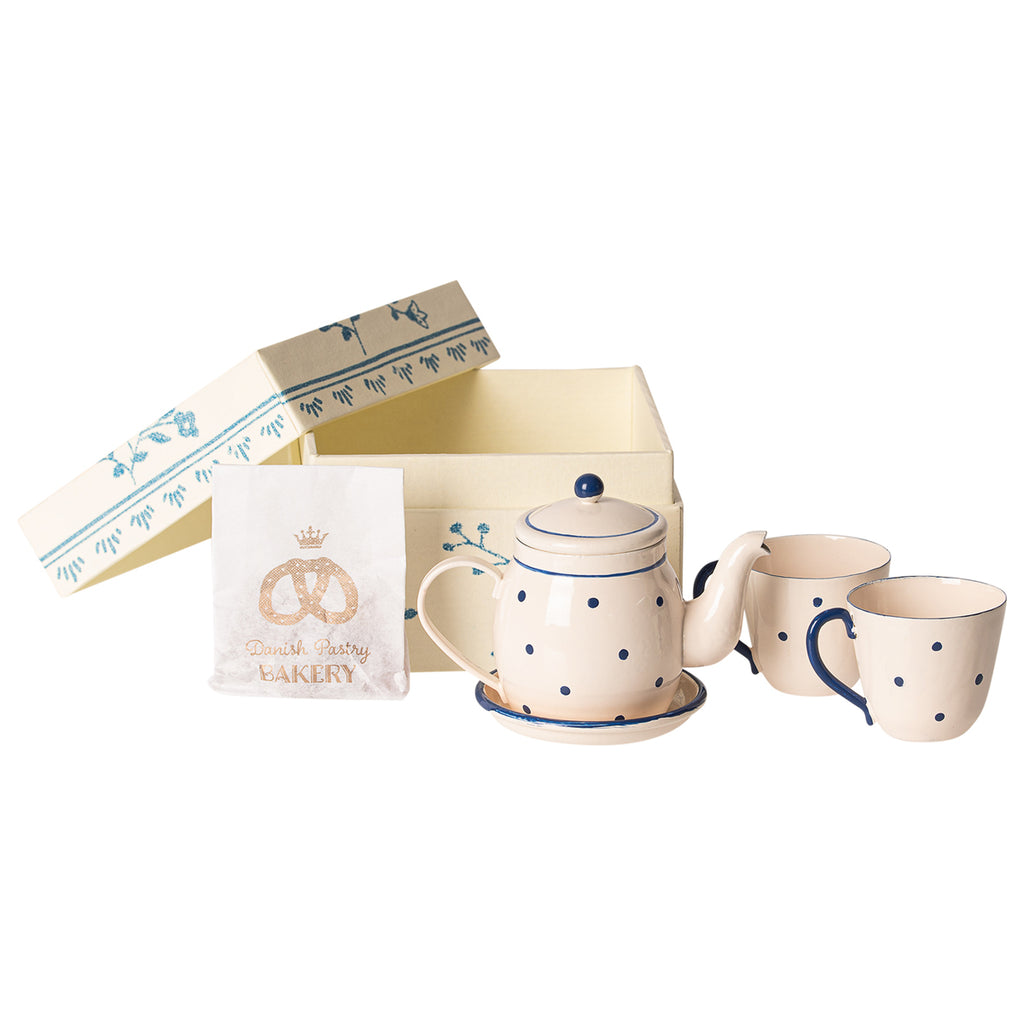 Tea and biscuits for two from maileg. Blue and white spotty